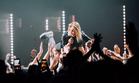 Hyphen Hyphen incendie le Liberté avec de la pop électronique féminine